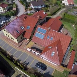 widok na dom opieki z góry